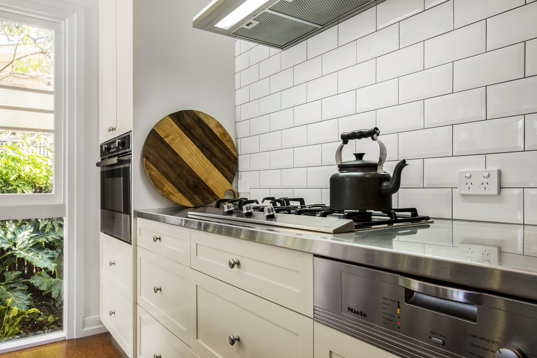 ... Country Kitchen Design Brisbane With Stainless Steel Bench Top